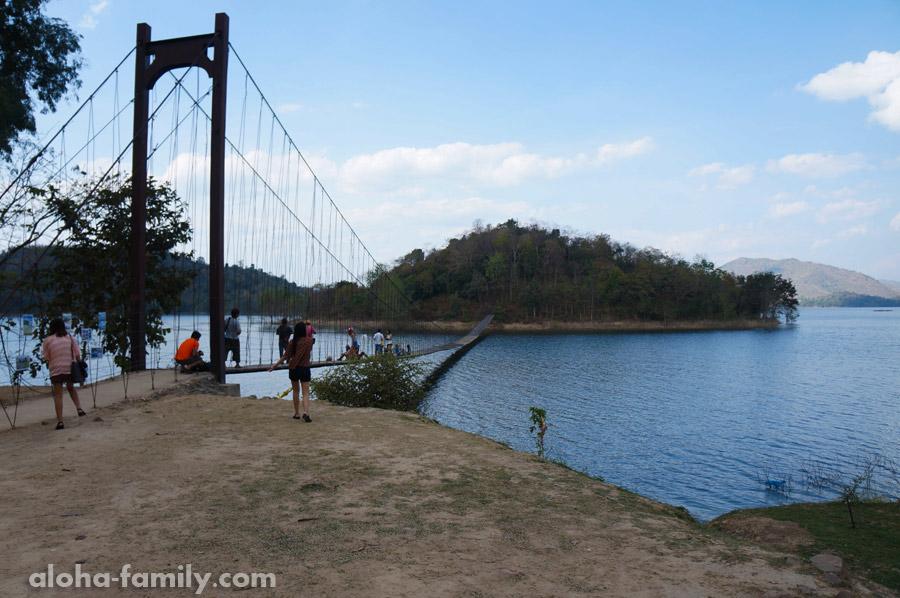 Подвесной мостик к безымянному островку