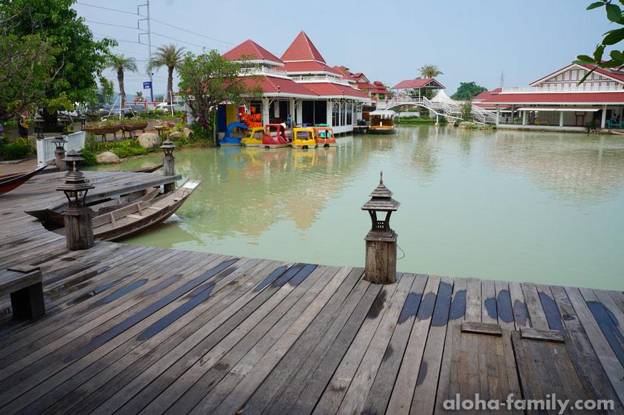Floating Market Hua Hin