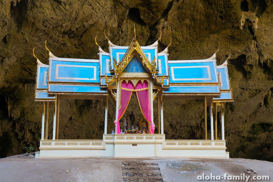 Phraya Nakhon Cave - знаменитая беседка