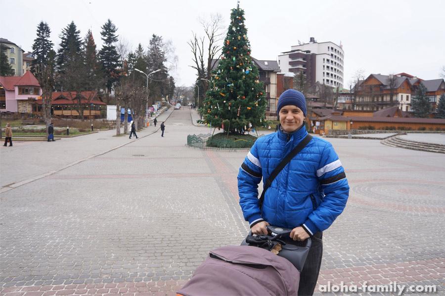 Трускавец, 27 декабря 2014 - ёлка ждёт праздника