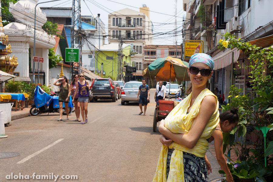 Вьентьян, Лаос, 3 апреля 2014 - прогулка перед отъездом в Тай