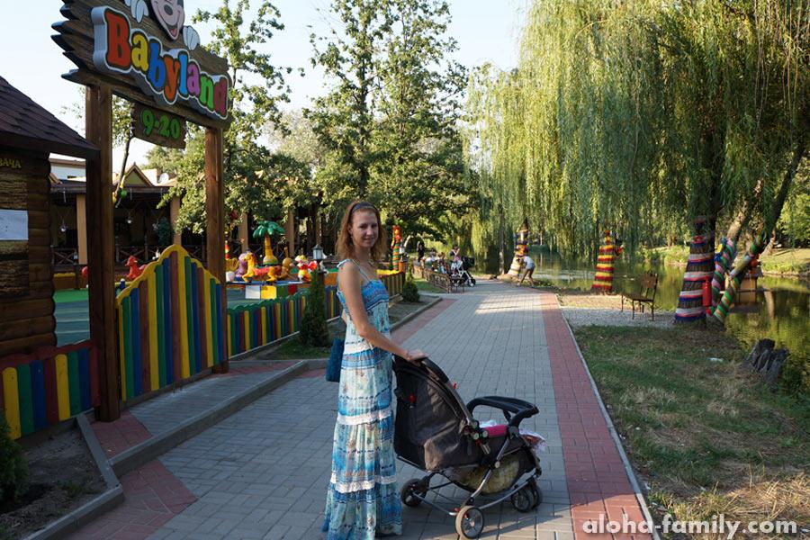 """Запорожье, 21 августа 2014 - сестра с крестницей в """"Дубовой Роще"""""""