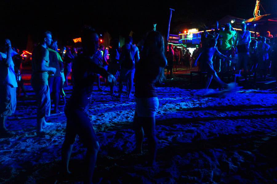 Бесплатная дискотека на пляже, Пхи-Пхи, Таиланд