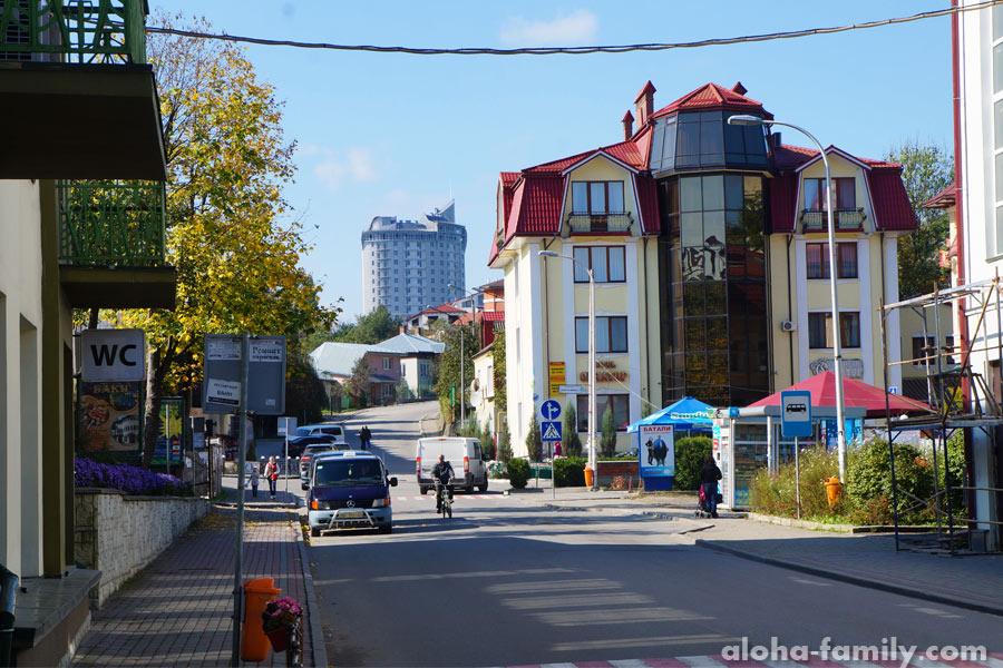Центр города в сентябре, улица Бориславская