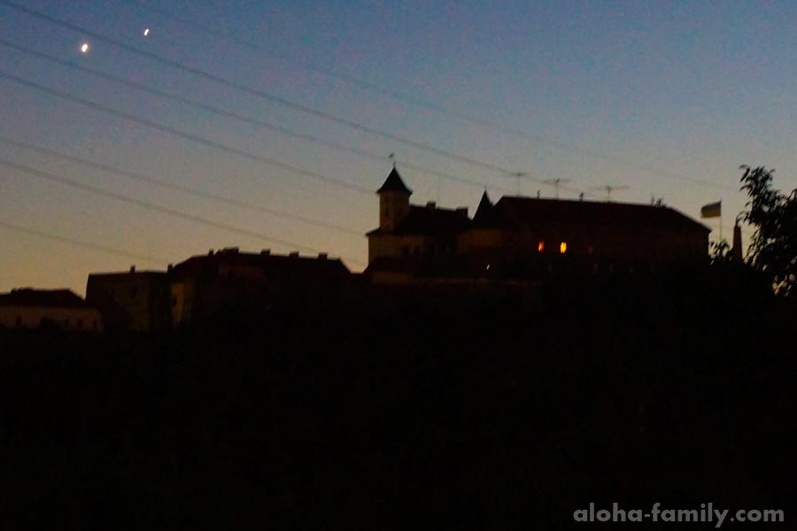 Замок Паланок в закате