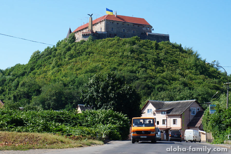 Замок Паланок при свете дня