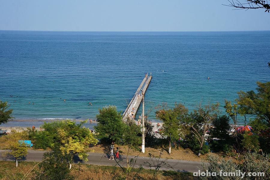 Решили посмотреть еще один хороший по отзывам пляж - 16-ая станция Большой Фонтанки