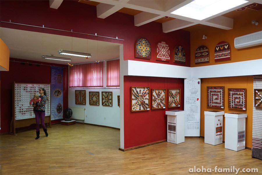 Интерьер музея писанка