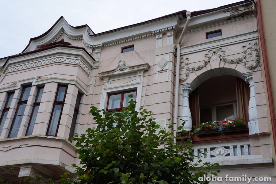 Милый балкон, ул. Йосафата Кобринского, Коломыя