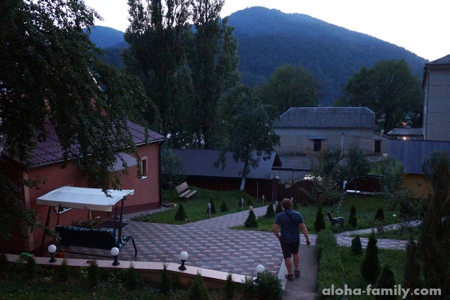 Семейный мини-отель в Межгорье