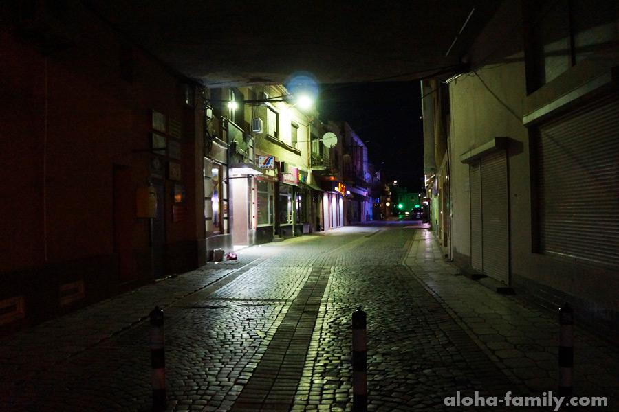 Ночные улицы в Мукачево