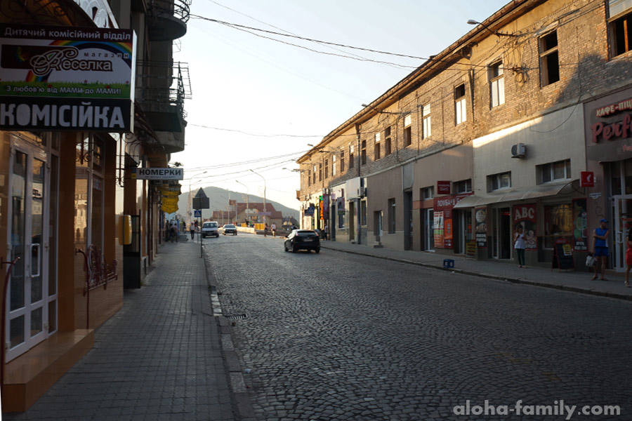 Обычная улица в Мукачево