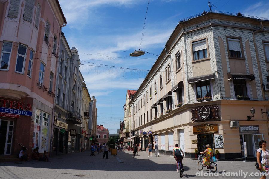 Улица Корзо в Ужгороде