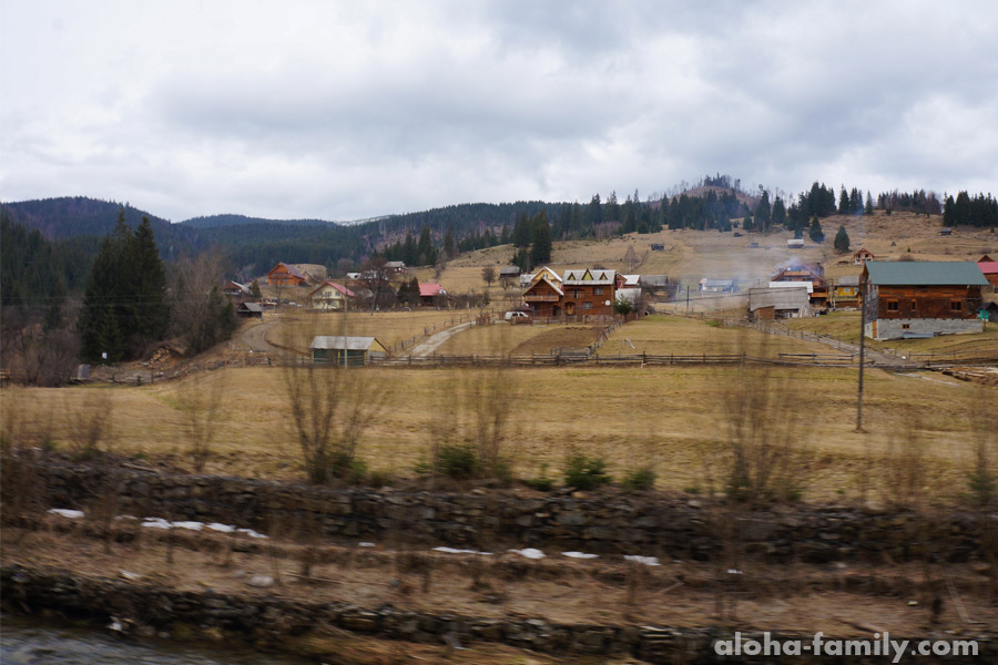 Село Поляница, ближайшее село к Буковелю