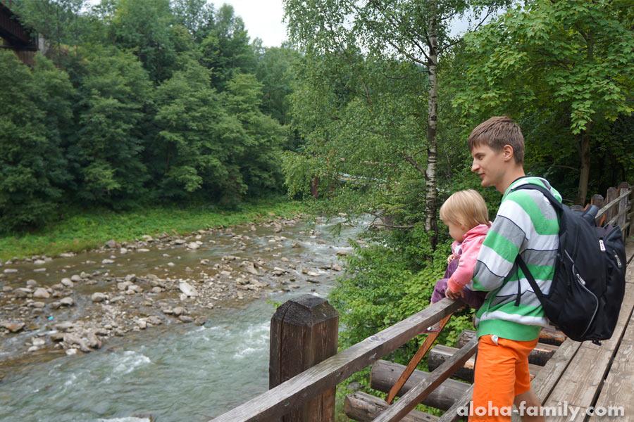 Любуемся рекой Прут с Оливией