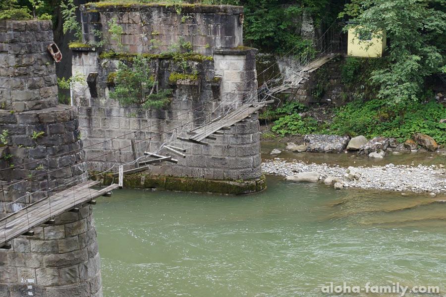 Старый мост в Яремче - очень зрелищное место