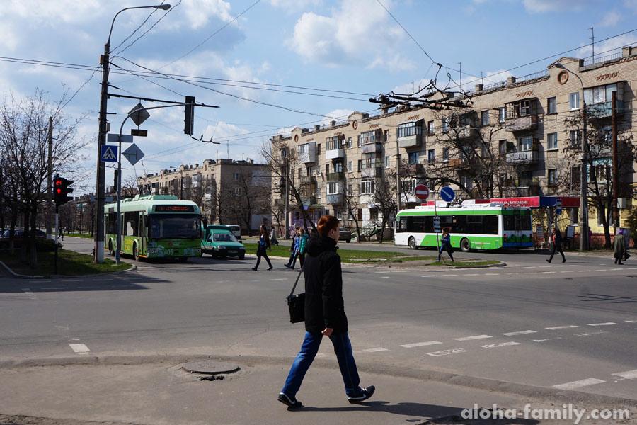 Проспект Химиков в Северодонецке и довольно новые троллейбусы