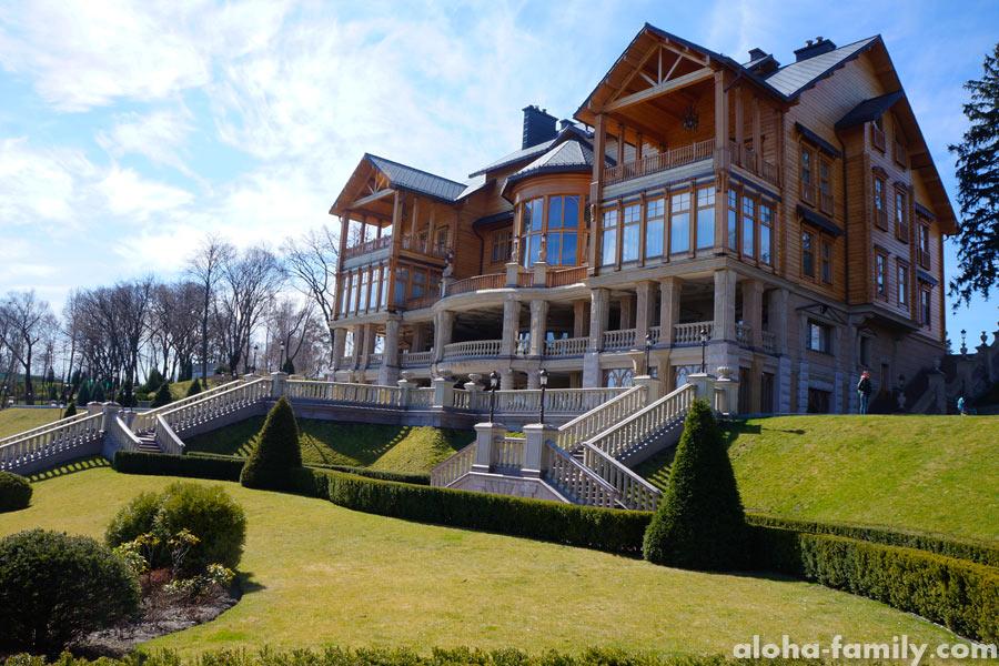 Главный дворец Януковича в Межигорье - Хонка