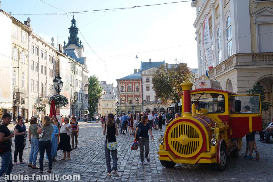 Главная площадь Львова - площа Ринок