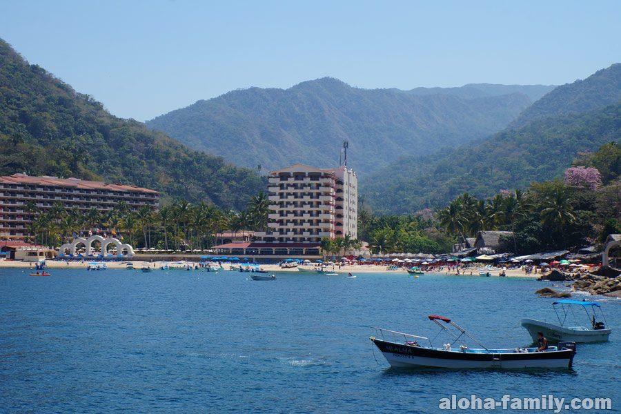 Mismaloya Beach - хороший пляж недалеко от Пуэрто Вальярта