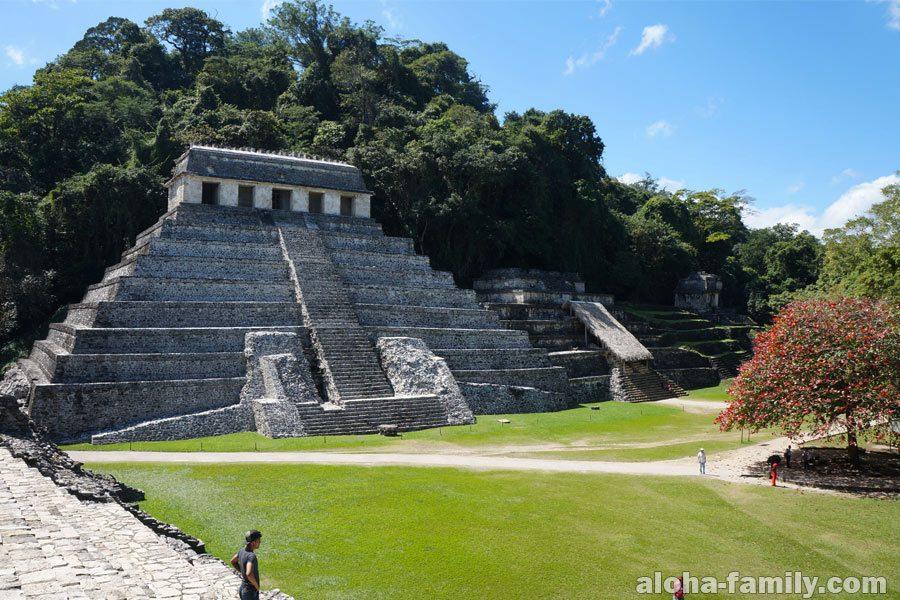 Пирамида в Паленке, штат Чиапас, Мексика