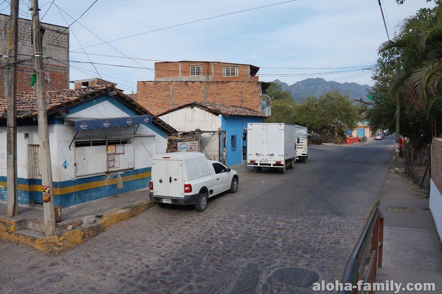 Нетуристическая зона в Пуэрто Вальярта