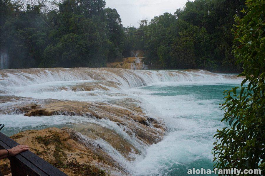 Agua Azul - водопады недалеко от Паленке, Чиапас, Мексика